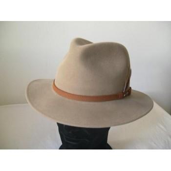 falbalas saint junien - chapeau homme 297,50 € Chapeaux homme
